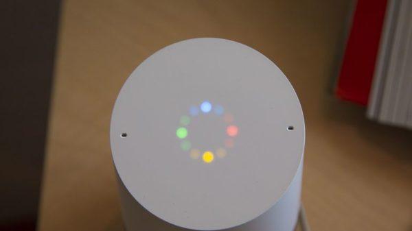 Google Home: Inbuilt LEDs